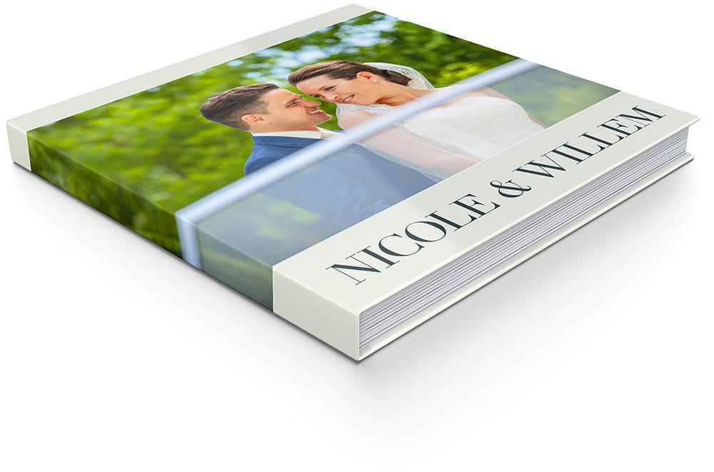 Bas-Driessen-Fotografie-square-wedding-album-open-2-Willem-Nicole